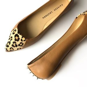 Chinese Laundry leopard spiked flats • new